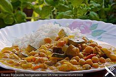 http://www.chefkoch.de/rezepte/454501138130335/Indische-wuerzige-Kichererbsenpfanne.html