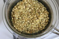 An easy step by step process for infusing almond oil with dried jasmine and elderflowers.