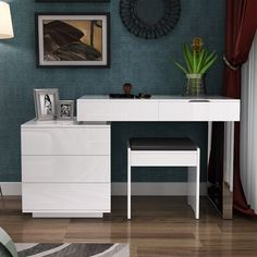 Wardrobe Design Bedroom, Bedroom Decor, White Wood Desk, Teenage Room Decor, Bedroom Dressers, Living Room Tv, Desk Organization, Wood Furniture, Vanity