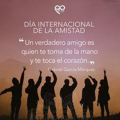 Una frase de Gabriel García Márquez sobre la amistad Gabriel Garcia, Movie Posters, Movies, Frases, International Friendship Day, Holding Hands, Gabriel Garcia Marquez, Wellness, Film Poster