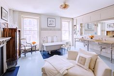 Real Estate Envy: 7 Gorgeously Renovated Homes Around the Country // Free standing tub