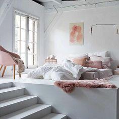 Cute attic-bedroom design, cosy little space, shabby chic