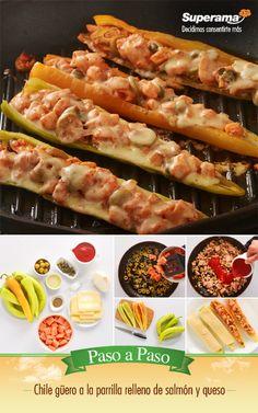 #Chile güero a la parrilla relleno de #salmón y queso: Fríe en una sartén con 3 cdas. de aceite ¼ de cebolla picada, agrega 300 g de cubos de salmón fresco, ¼ tz. de aceitunas rebanadas, 2 cdas. de alcaparras, ¼ tz. de puré de tomate, 1 cda. de sal y 1 cdta. de pimienta hasta que el salmón quede cocido. Corta en mitades a lo largo 6 chiles güeros, rellena con el salmón, cubre con queso Chihuahua rallado y parrilla por 10 minutos para que se cueza el chile y se derrita el queso.