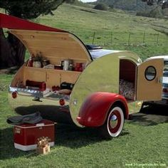 Fantastic Teardrop Camper Trailer Design Ideas For Nice Camping Vintage Campers, Camping Vintage, Vintage Travel Trailers, Retro Camping, Vintage Airstream, Airstream Interior, Vintage Picnic, Airstream Living, Vintage Rv