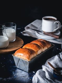 Vianočka aj brioška - maslové cesto z kvásku - Zo srdca do hrnca Banana Bread, Desserts, Food, Hampers, Brioche, Tailgate Desserts, Deserts, Essen, Postres