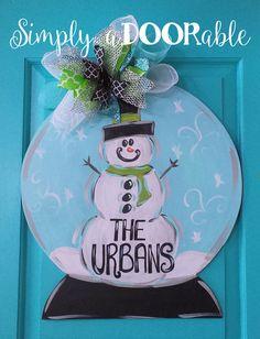 Snow Globe Wood Door Hanger by SimplyaDOORable. Winter Door Hanger, Snowman Door Decor, Winter Door Decoration, Personalized snow globe by SimplyaDOORableNC on Etsy