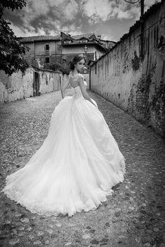 SHERLY www.alessandrarinaudo.it #nicolespose #weddingdress #hautecouture