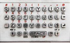 Porquê usar teclados QWERTY quando poderiamos usar outros considerados melhor?
