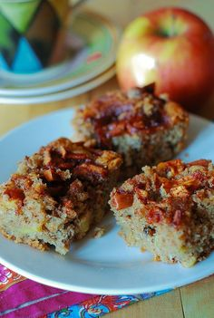 Easy apple cake with pecans. Delicious dessert, snack or even breakfast recipe! An easy apple cake doesn't get any better than this! Tasty and moist, with great texture and flavor, packed with juicy apple slices, Easy Apple Cake, Apple Cake Recipes, Baking Recipes, Dessert Recipes, Apple Cakes, Apple Pie, Russian Desserts, Russian Recipes, Fall Desserts