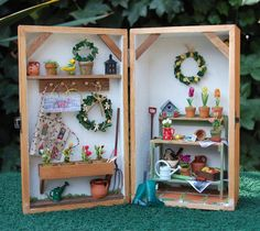 Garden Shed in hinged Box