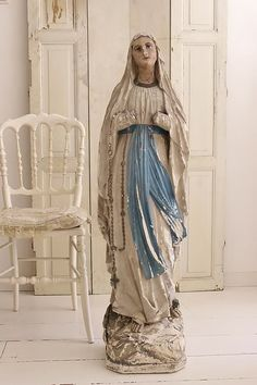 GROOT MARIA BEELD UIT EEN KERK / LARGE FIGURE FROM A CHURCH  SOLD