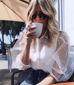 Summer Women White blouse fashion casual OL hollow out mesh sleeves shirt Blouses White Sexy Vintage Shirt Women Chiffon Top Mode Outfits, Chic Outfits, Spring Outfits, Fashion Outfits, Womens Fashion, Mori Fashion, Fashion Beauty, Luxury Fashion, Bluse Outfit