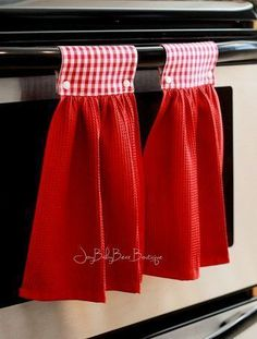 Red gingham towels hanging kitchen towel red kitchen towel hanging hand towel country kitchen decorative towel kitchen decor by joybabybear on etsy Easy Sewing Projects, Sewing Hacks, Sewing Crafts, Fabric Crafts, Dish Towel Crafts, Dish Towels, Kitchen Decor Sets, Towel Dress, Hanging Towels