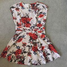 Floral Dress Size Large Fits better Medium Forever 21 Dresses Mini