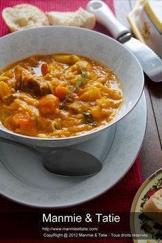 cuisine haitienne - soup joumou Haitian Food Recipes, Jamaican Recipes, Baby Food Recipes, Beef Recipes, Dinner Recipes, Cooking Recipes, Healthy Recipes, Creole Recipes, Island Food