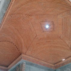 Boveda canalana de ladrillo sin cimbra Brick Building, Building A House, Brick Architecture, Brick And Stone, Vaulting, Your Space, Interior Styling, Your Design, Hardwood Floors
