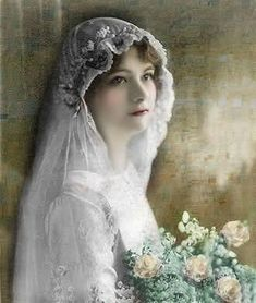 All brides think of having the perfect wedding, however for this they require the perfect bridal wear, with the bridesmaid's outfits complimenting the brides-to-be dress. Here are a variety of tips on wedding dresses. Vintage Wedding Photos, Vintage Bridal, Vintage Images, Vintage Weddings, Wedding Art, Wedding Veils, Wedding Bride, Wedding Dresses, Beautiful Bride