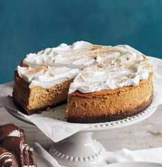 Pumpkin Cheesecake - This cheesecake is amazing. Best I've ever tried :) Beats out Cheesecake Factory & Olive Gardens version. Most Popular Desserts, Just Desserts, Delicious Desserts, Dessert Recipes, Yummy Food, Dessert Healthy, Cold Desserts, Breakfast Healthy, Health Breakfast