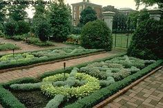 Knot Gardens-EXCERPT: 'Knot gardens were popularised in English gardens in the century, when the stability of the nation was reflected in the increasing confidence of domestic architecture. People had the time, money and security to make their gar Herb Garden Design, Garden Art, Garden Ideas, Formal Gardens, Outdoor Gardens, Landscape Architecture, Landscape Design, Architecture People, Boxwood Garden