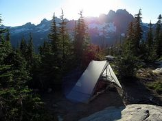 Camping | Tent | hiking | mountains