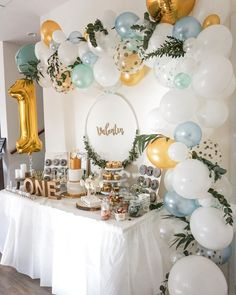 So you include older siblings on their birthday- So bindet ihr ältere Geschwister am Geburtstag mit ein Balloon garlands are THE decoration idea for Sweet Tables, … - Boys First Birthday Party Ideas, Wild One Birthday Party, 1st Boy Birthday, Boy Birthday Parties, 1st Birthday Decorations Boy, 1st Birthday Balloons, One Year Birthday, Birthday Celebrations, Birthday Candy Bar