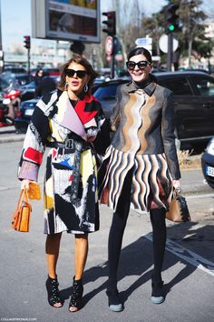 You guys wanna do petit fours? Perhaps grab a show? #AnnaDelloRusso and #GiovannaBattaglia #PFW