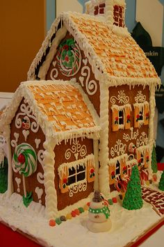 The Tennessee  Gingerbread Christmas Houses Bakery USA for your Tennessee  party cakes. Tennessee  decorators specialize Tennessee  cakes,Tennessee  Gingerbread specialty Tennessee  cakes, Tennessee  Gingerbread Christmas  Memphis Houses Gingerbread Christmas Houses Bakery Memphis, Tennessee  Gingerbread House, Gingerbread Christmas Houses Bakery Memphis Christmas cakes, Gingerbread Houses, any shape any style, call 24/7 866-396-8429 http://www.cakes3.com/gingerbread.htm
