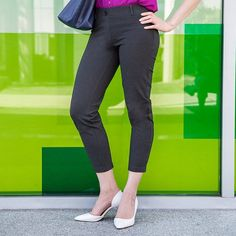 Betabrand Cropped Gray Dress Pant Yoga Pants outside office building going to work Dress Yoga Pants, Grey Dress Pants, Men Dress, Women's Pants, Crop Dress, Outfit Look, Yoga Fashion, Clothing Hacks
