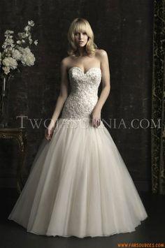 Robes de mariée Allure 8952 Bridals