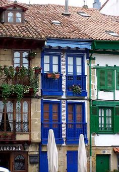 Hondarribia, Basque Country, Spain (Most Beautiful Villages in Spain) one of my favorite beach towns Murcia, The Places Youll Go, Places To Visit, Travel Around The World, Around The Worlds, Basque Country, Spain And Portugal, Spain Travel, Architecture