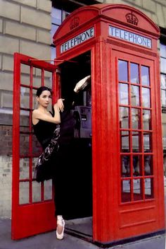 Ballerina Tamara Rojo is a Principal Dancer with the Royal Ballet in London Ballet Art, Ballet Dancers, Some Beautiful Pictures, Beautiful Images, Dancing In The Dark, Shall We Dance, Dance Lessons, Ballet Photography, Royal Ballet