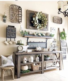 If you are looking for Farmhouse Living Room Decor Ideas, You come to the right place. Here are the Farmhouse Living Room Decor Ideas. Country Farmhouse Decor, Vintage Farmhouse, Farmhouse Style, Country Wall Decor, Country Kitchens, Living Room Decor Country, Farmhouse Lamps, Home And Deco, Entryway Decor