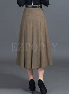 Shop Casual A-line Patchwork Pleated Skirt at EZPOPSY. Check out this ladies fashion outfits that look fab Skirt Outfits Modest, Midi Skirt Outfit, Sweater Dress Outfit, Pencil Skirt Outfits, Girly Outfits, Dress Skirt, Casual Dresses, Fashion Outfits, Lace Skirt