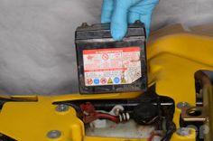 Suzuki LT80 Battery Removal