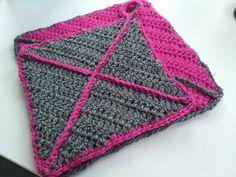 Virkkuumania: Kite - crochet potholder pattern Crochet Cow, Love Crochet, Crochet Crafts, Double Crochet, Crochet Potholder Patterns, Crochet Doll Pattern, Crochet Stitches, Crochet Decrease, Single Crochet Stitch