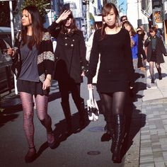 #tokyofashion #japanesegirls love #blackcolor this #winter2013 #trendspotted by www.fashioninjapan.com