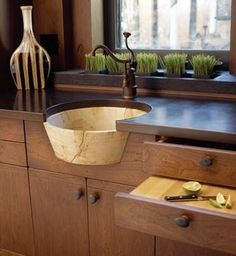 Cool kitchen sink!