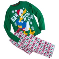 This festive pyjama set is a must-have for anyone who needs to get into the Christmas spirit! With fun character artwork and coordinating bottoms, it comes wrapped in a snowflake ribbon with a matching gift tag.
