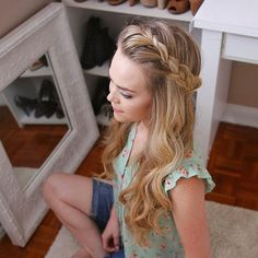 Lace Headband Braid My top is from #forever21 + the hair tutorial for this style is linked in my bio! #missysueblog