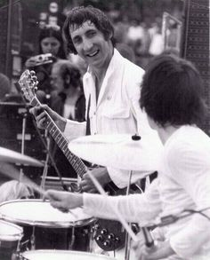 Pete Townshend and Keith Moon -- Anaheim Stadium (June 14, 1970)
