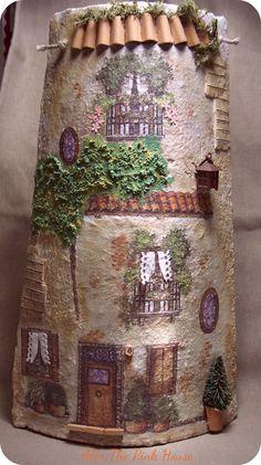 Tegola  Questa è l'ultima di una serie di tegole antiche che avevo a disposizione....sigh, sigh!!! e che appartenevano ad un tetto di una vecchia casa in Sardegna. Credo proprio abbia almeno un centinaio d'anni!!
