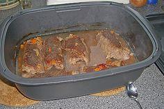 Rinderrouladen im Tupper Ultraplus – Quick Recipes Roast Recipe Easy, Easy Pot Roast, Pot Roast Recipes, Quick Recipes, Quick Easy Meals, Meat Recipes, Crockpot Recipes, Cooking Recipes, Slow Cooking