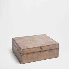ANTIQUE-FINISH WOOD BOX