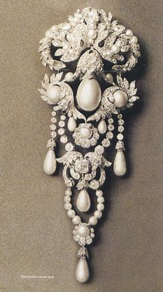 The La Régente pearl as it appeared in the pearl-and-diamond corsage of Empress Eugénie ~1887.  This stomacher or sévigné was part of the French Crown Jewels.