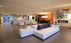 World of #Architecture: Modern Beverly Hills #House With Open #Interiors | #worldofarchi #home #luxury #BeverlyHills #livingroom