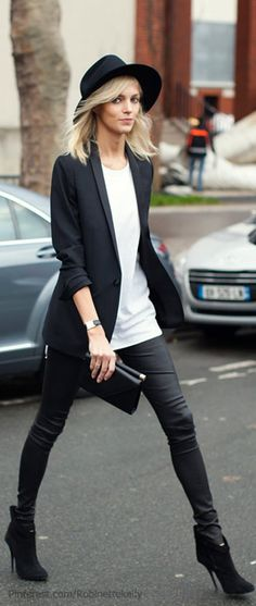 Streestyle | Black and White