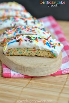 Birthday Cake Biscotti: delicious breakfast treat! So easy to make too!