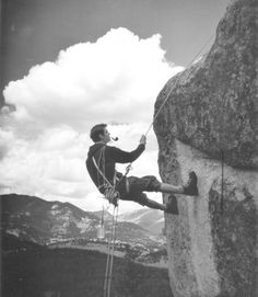 smokin' a pipe AND climbing - this guy is my hero
