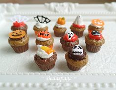 Miniature Halloween Cupcakes Tray for 1:6 Scale BJD by BEADSPAGE