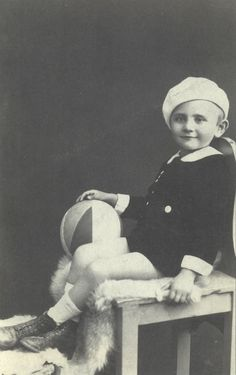 Louis was only 9 when he was sadly murdered at Auschwitz -Birkenau on Aug 1942 The Lost World, World War Two, Murder Stories, Innocent Child, French Language Learning, Forced Labor, Child Face, Lost Soul, Childhood